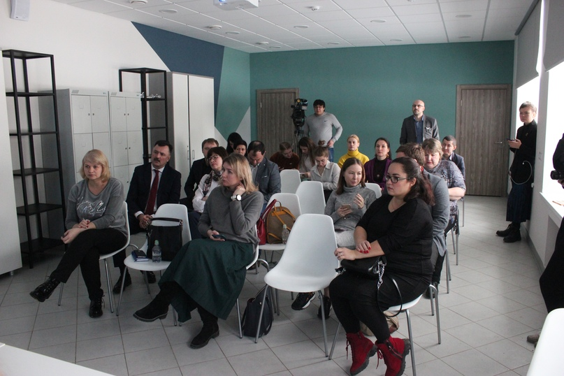 В Казани прошло публичное обсуждение проекта «Швейная мастерская особого назначения», изображение №4