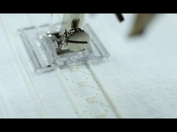 Tutorial how to use the BERNINA pintuck foot no. 30, 31, 32, 33 and 46 C pintucking device