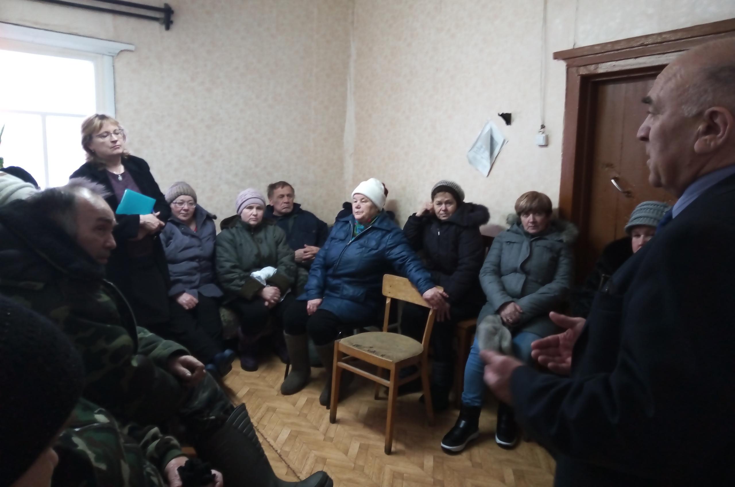 Руководитель администрации района Николай Жилин встретился с жителями деревень Коптюга и Муфтюга
