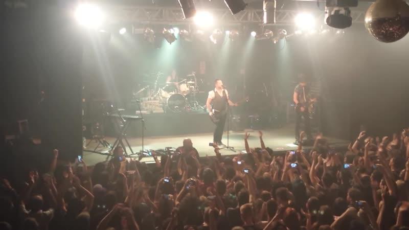 Skillet Wake me Up Avicii cover Comatose live at Curitiba