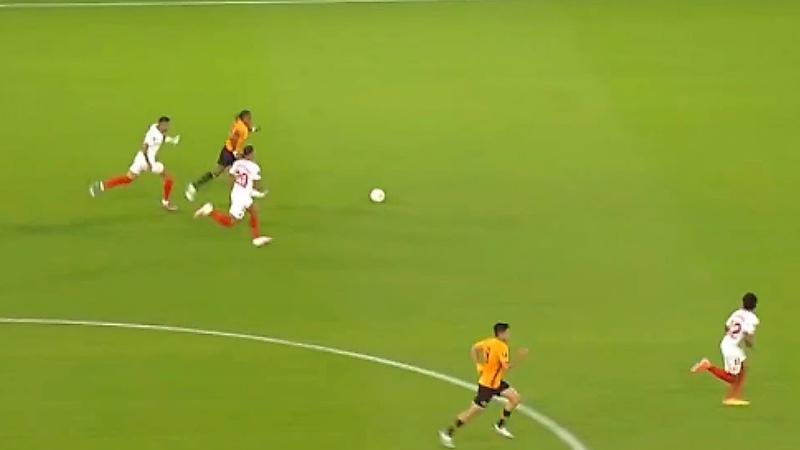 Corrida de Adama Traor vs Sevilla