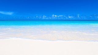 Perfect Beach Scene: 7 Hours of White Sand, Blue Water & Ocean Waves in 4K