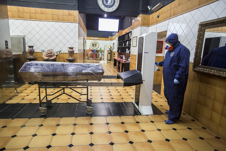 фото Чрезвычайные меры предосторожности: как происходит кремирование тел заражённых коронавирусом – эксклюзив Сиб.фм 5