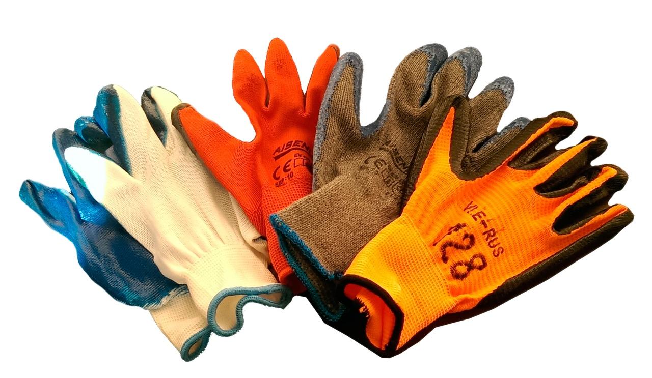 Перчатки на производстве – за и против