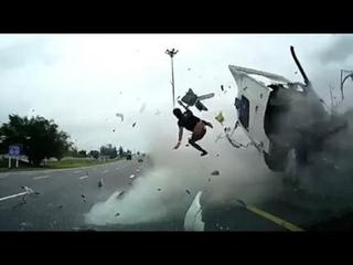 Ultimate Car Crash Compilation 2021