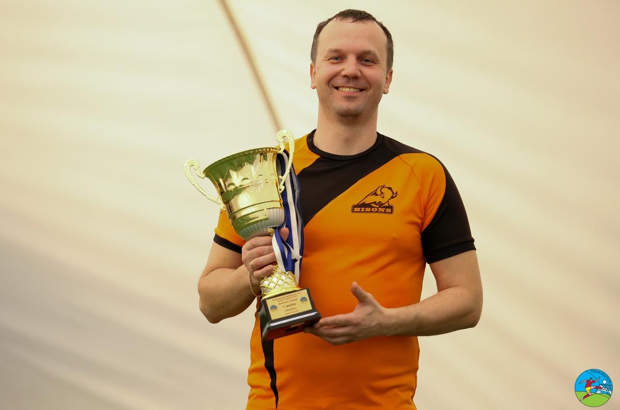 Александр Хиценко (Бизоны) - чемпион дивизион Свирида.