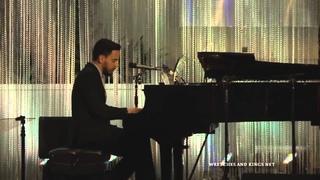 - Linkin Park, performance acústica en UCLA
