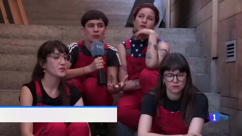 La 1 TVE Himno feminista violador chileno Las Tesis Telediario vlc-record-2019-12-17-21h29m04s-La 1 FHD TDT