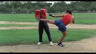 """Фильм """"Кикбоксер"""", кто из актеров настоящий боец? Это можно понять из одного эпизода."""