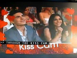 Zac Efron and Vanessa Hudgens  kiss