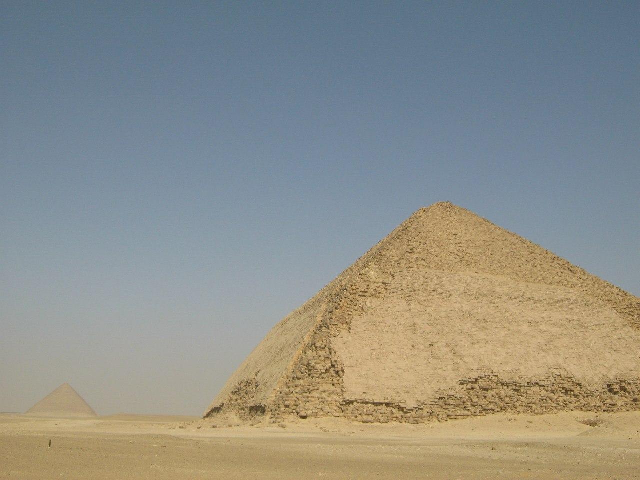 комплекс пирамид Дахшур