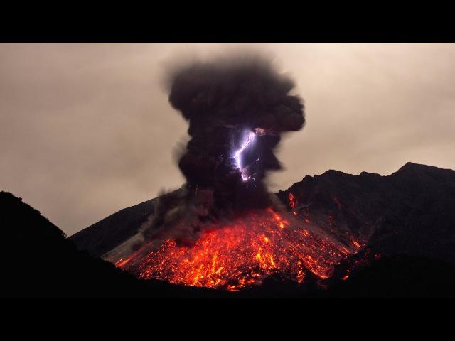 Rare Footage Of Volcanic Lightning