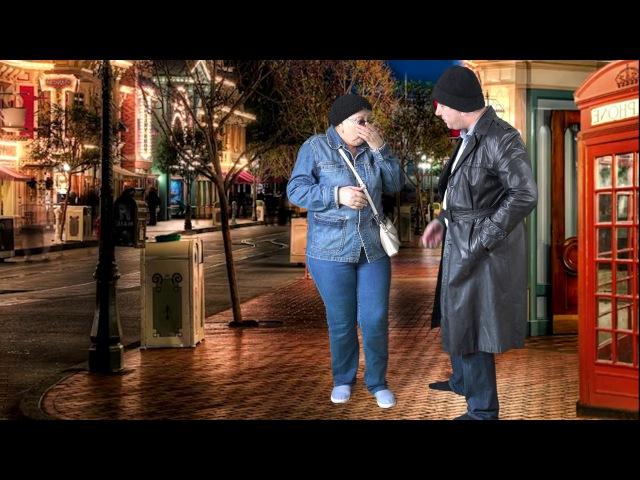 Старуха террористка убивает ГРАБИТЕЛЯ смешнео видео Granny killed the robber coolly