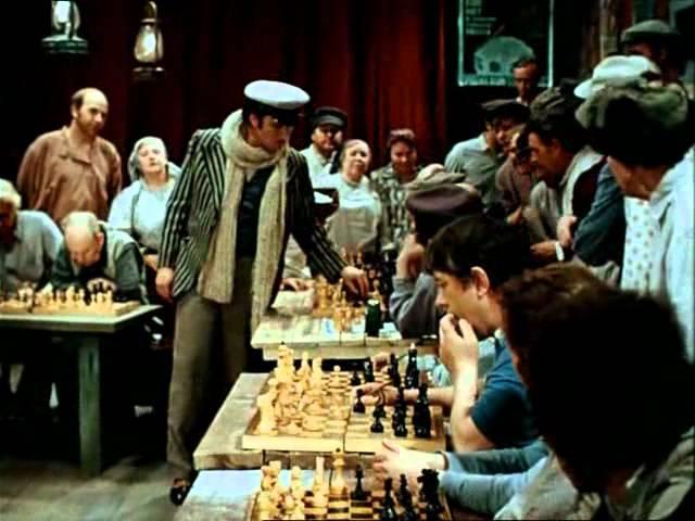 2 2 Шахматы в фильме 12 стульев 1976
