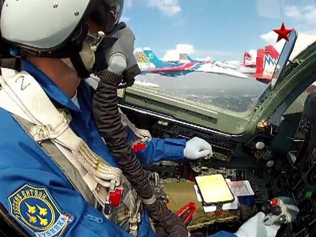 Пилотаж Русских витязей и Стрижей на 100 летии ВВС gbkjnf heccrb dbnzptq b cnhb tq yf 100 ktnbb ddc