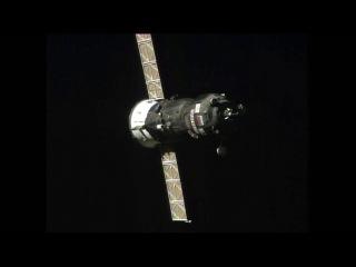 Российский корабль снабжения прибыл на космическую станцию (англ. яз)