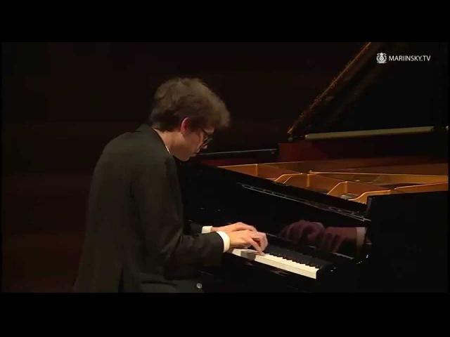 Lucas Debargue's jazz improvisation in Russia after classical recital