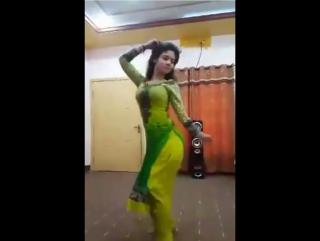 Pakistani sexy cute ass girl private dance main lovely ho gai 2017