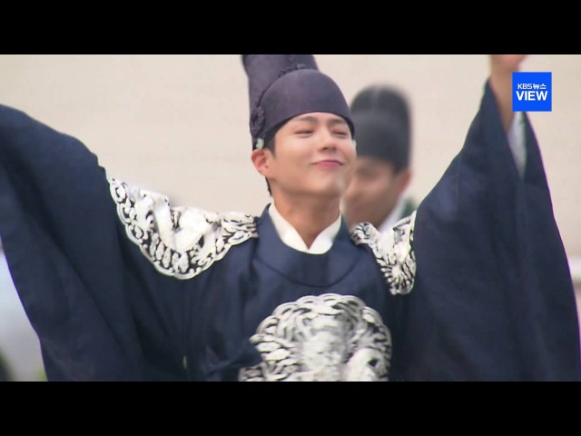 (EN, 日)박보검 댄스 구르미 그린 달빛(Park Bo Gum's dance for 'Moonlight Drawn by Clouds')