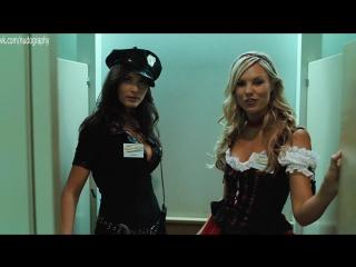 "Лесби в туалете - элисия ротару (elysia rotaru), джессика олафсон (jessica olafson) - ""стан хельсинг"" (stan helsing, 2009) 1080p"