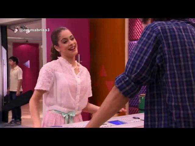 Violetta 1 Ludmila se enoja cuando ve cantar a Violetta con León 01x37
