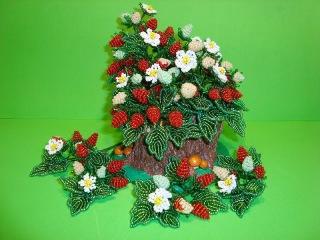 Земляника из бисера.  // Часть 7/8. // Сборка. Магнит «Землянички». // Strawberries from beads.