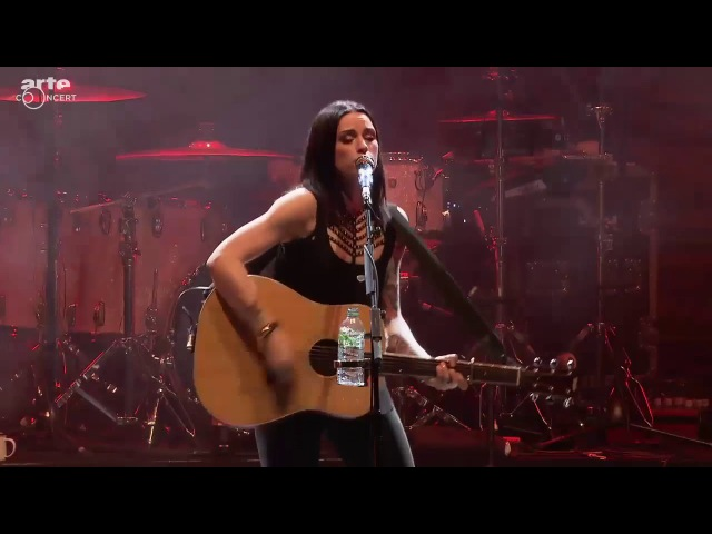 Amy Macdonald Let's Start A Band Amazing performance Live HD