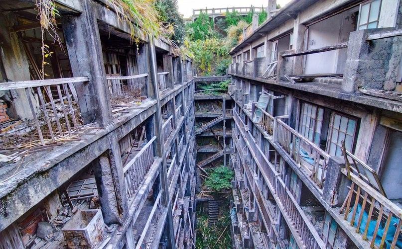 Интересные места нашей планеты Остров Хасима (Япония), изображение №7