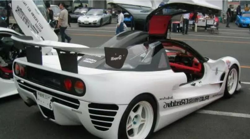 700 килограммов ярости редкого спорткара Autozam AZ-1, который и Suzuki, и Mazda., изображение №23