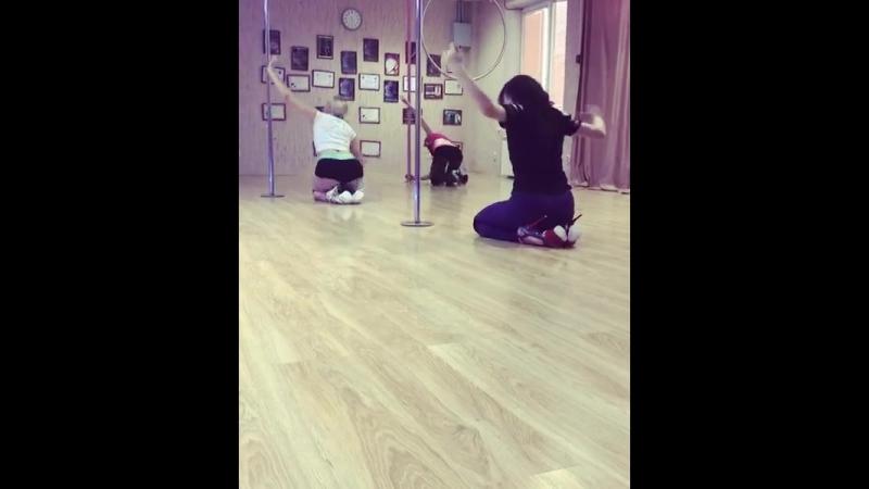 связка по экзоту от яркой и дерзкой Виктория Растригина в студии Pole Dance Студия ROSE DANCE в Волгодонске