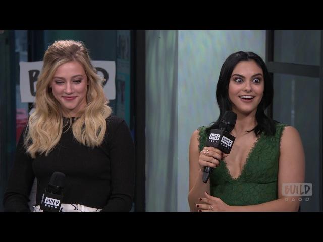 2017: Лили и Камила Мендес в студии «AOL»