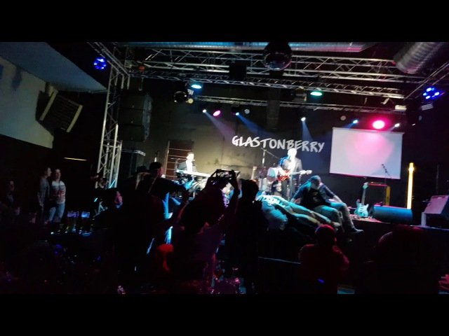 Алексей Романов feat. Юрий Смоляков - Посмотри как я живу (01/06/17, Glastonberry Pub)