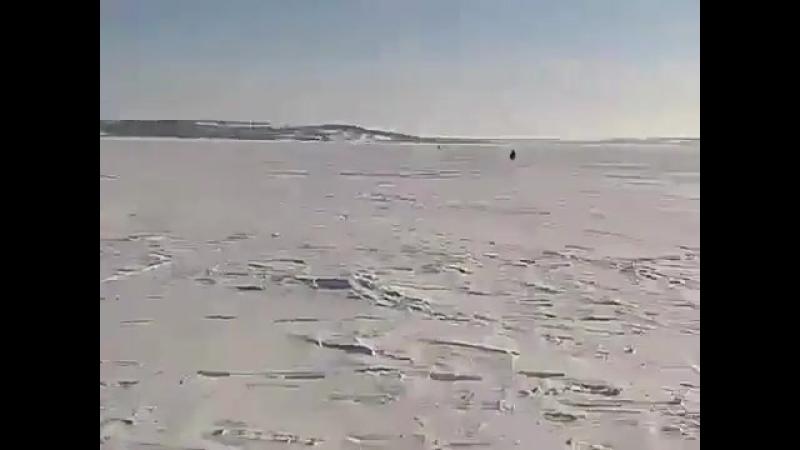 Не остовляйте свой снегоход без присмотра! .mp4