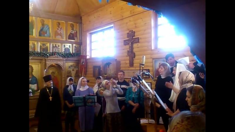 Преподаватели хоровики также исполняли духовную музыку и колядки