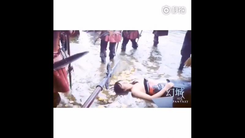 БТС Ледяной фантазии Съемки в холодном озере 14、幻城拍摄花絮第一波之人间篇