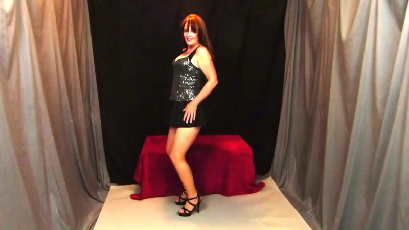 Lacy Lee Hot sexy cougar dancing high heels upskirt HD