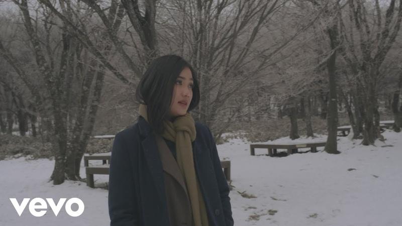 Marion Jola Pergi Menjauh Official Music Video
