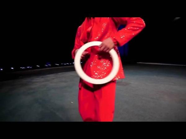 Жонглер с кольцами