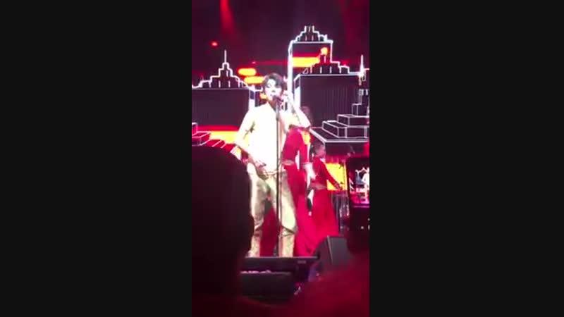 迪玛希Dimash, London concert《Yerkeleteyin宠爱你》[Low,480x360, Mp4](1)