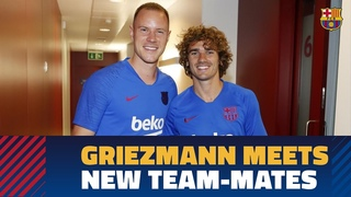 Antoine Griezmann meets his new team-mates