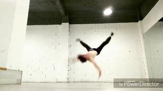 "Виталий Кузьменко on Instagram: ""Just practice. #Sky_killa #powermoves #airflare #airmove #headspin #bboyingofficial #bboyizmofficial #beyondthelim..."