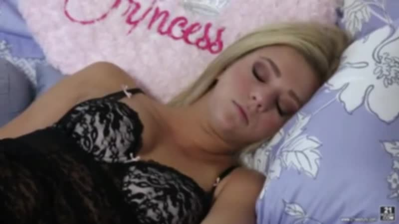 смотреть трахнул спящую телку зависимости ваших