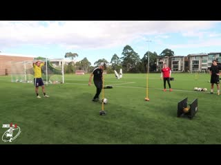 Compilation of the best TRAINING DRILLS with Sheldon Tweedie  Joner 1on1 Football Training-Обрезка 02