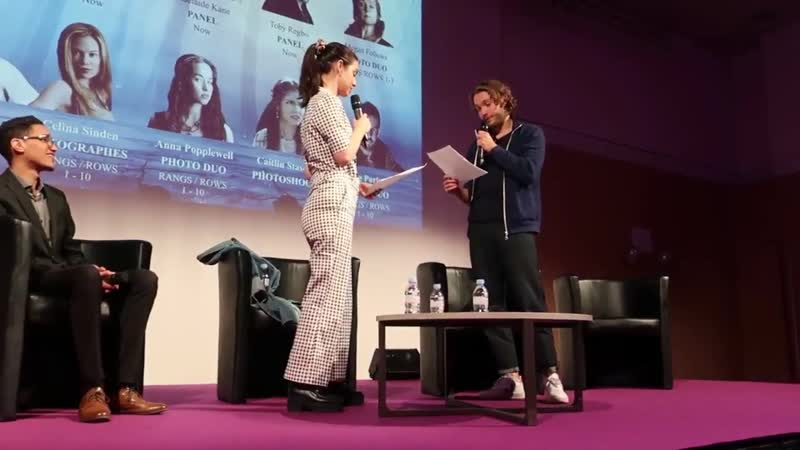 Adelaide Kane Toby Regbo re-enacting the Frary proposal scene from episo de 1x08 of Reign 2019