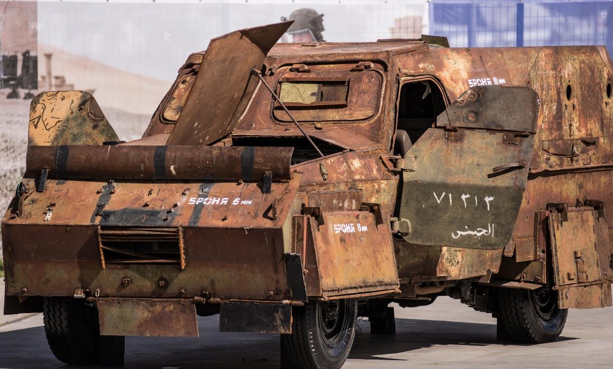Трофеи из «песочницы»Репортаж c выставки вооружений сирийских боевиков, изображение №10