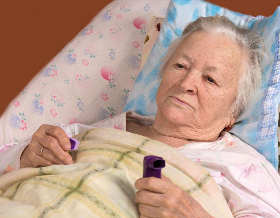 Пневмония может усугубить уже существующие состояния здоровья у пожилых людей