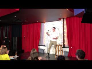 Как шутят казанские (и не только) комики. Смотрите прямую трансляцию со Stand Up фестиваля в ТРЦ Родина