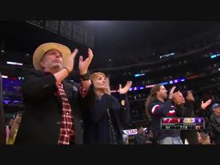 Болельщики Лейкерс встретили  Дуэйна Уэйда овациями стоя