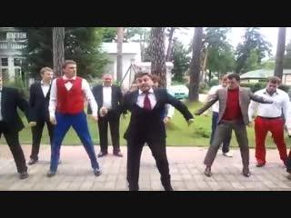 Пародию на танец Медведева убрали из эфира #юмор