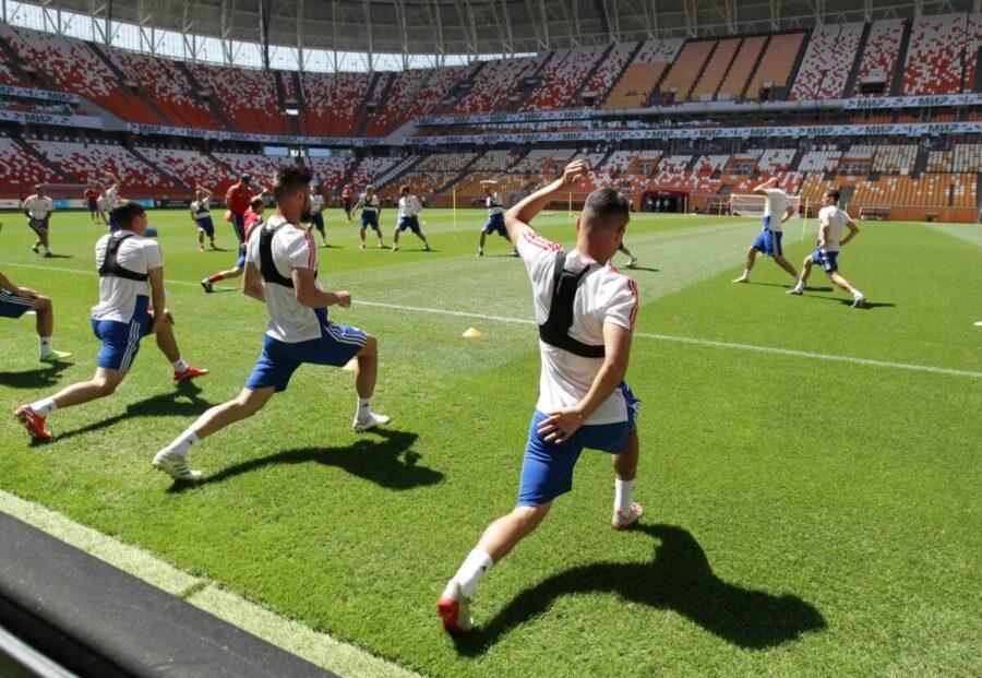 Действенные упражнения для развития ног футболистов.